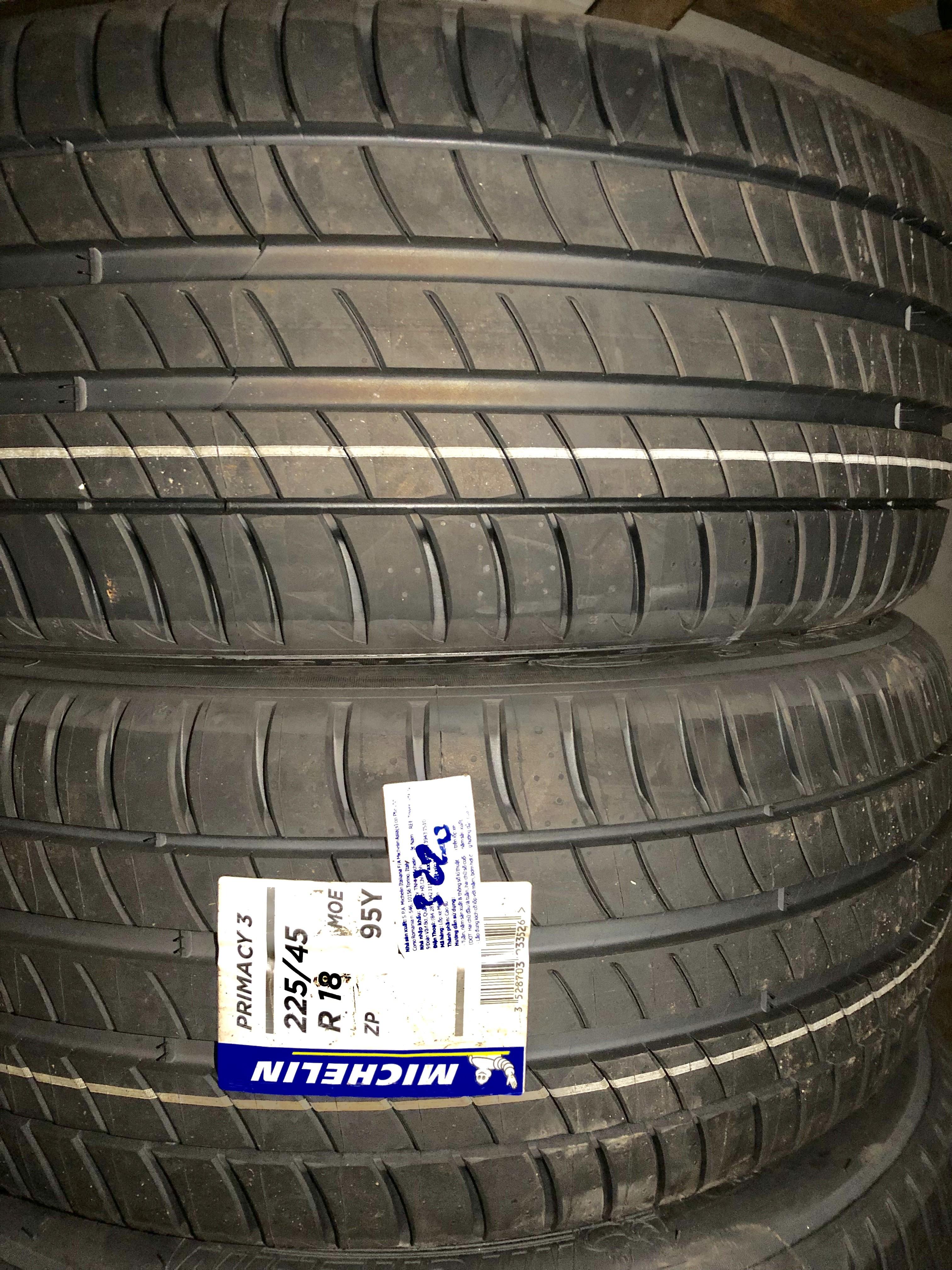 Lốp Michelin 225/45/18 Chống xịt